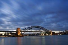 De Brug van de haven - de Horizon van de Nacht royalty-vrije stock afbeelding
