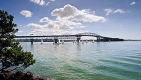 De Brug van de Haven van Auckland Stock Afbeeldingen