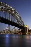De Brug van de Haven van Sydney bij Nacht Stock Fotografie