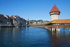 De brug van de kapel in Luzerne, Zwitserland Stock Foto's