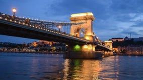 De brug van de ketting bij nacht Royalty-vrije Stock Foto