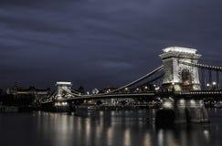 De Brug van de ketting in Boedapest Stock Afbeeldingen