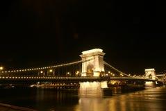 De Brug van de ketting 's nachts, Boedapest Stock Afbeeldingen