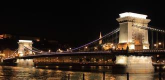 De Brug van de ketting 's nachts in Boedapest Royalty-vrije Stock Afbeeldingen