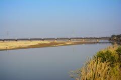 De Brug van de Khushabspoorweg over Jhelum-Rivier royalty-vrije stock foto's