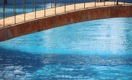 De brug van de pool stock foto