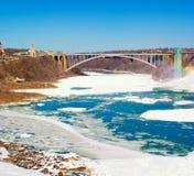 De Brug van de regenboog, Niagara Falls Stock Foto