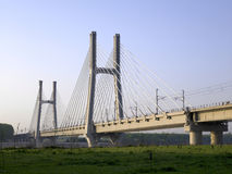 De brug van de spoorweg Stock Foto's