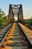 De brug van de spoorweg in Bangkok, Thailand. stock afbeeldingen