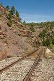De brug van de spoorweg over water Stock Foto's