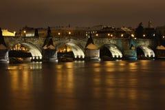 De brug van de steen bij nacht Stock Fotografie