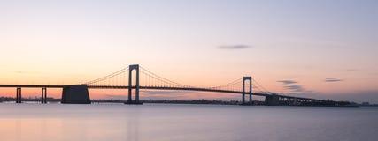De Brug van de Throgshals - NYC stock fotografie