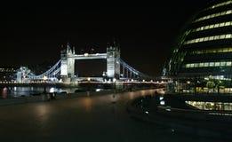 De Brug van de toren in Londen stock afbeeldingen
