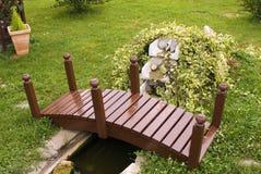 De brug van de vijver Stock Fotografie