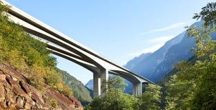 De brug van de weg Stock Foto's
