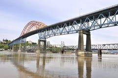 De brug van de weg en spoorwegbrug Royalty-vrije Stock Foto's