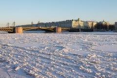 De brug van Dvortsovyj Stock Foto's