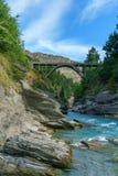 De brug van Edith cavell over shotoverrivier, arthurs richt, queenstown, Nieuw Zeeland 3 stock foto's