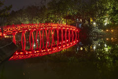 De brug van het de stadscentrum van Hanoi Stock Afbeeldingen