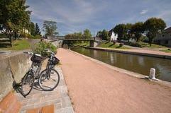 De brug van het Digoinkanaal en de cyclusmanier van Voies Verte Stock Foto's