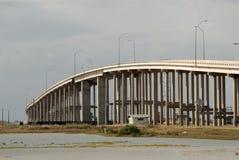 De brug van het Eiland van de aalmoezenier in Corpus Christi, de V.S. stock foto