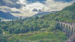 De Brug van het Glenfinnanviaduct in Schotland, het Verenigd Koninkrijk stock foto's
