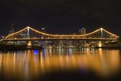Verhaalbrug 's nachts van kant 2 royalty-vrije stock foto's