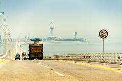 De brug van Koningsfahd causeway tussen Saudi-Arabië en Bahrein royalty-vrije stock fotografie