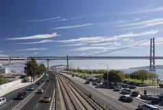 De brug van Lissabon 25ste april Stock Afbeelding