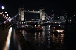 De Brug van Londen bij nacht Royalty-vrije Stock Afbeelding