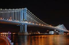 De Brug van Manhattan bij Nacht Royalty-vrije Stock Fotografie