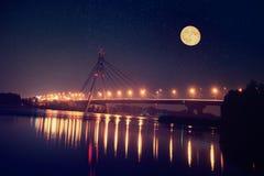 De brug van Moskou in Kiev royalty-vrije stock afbeeldingen