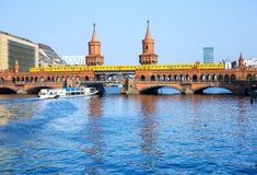 De brug van Oberbaum in Berlijn Royalty-vrije Stock Foto