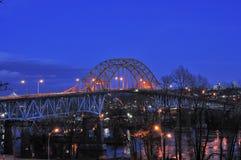 De brug van Pattullo bij schemering Stock Afbeelding