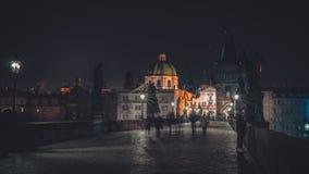 De brug van Praag Charles bij nacht Royalty-vrije Stock Afbeelding