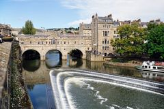 De Brug van Pulteney, Bad, Somerset, Engeland, het UK Stock Foto