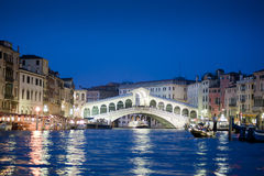 De Brug van Rialto, Venetië stock afbeelding