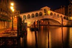De brug van Rialto in Venetië Italië royalty-vrije stock afbeeldingen