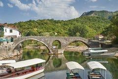 De Brug van Rijeka Crnojevica, Montenegro Stock Foto