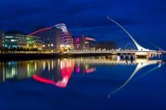 De brug van Samuel Beckett in Dublin, Ierland Stock Foto's