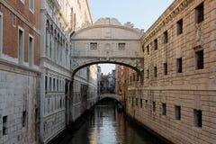 De Brug van Sighs in Venetië Italië stock foto