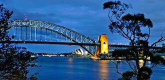 De Brug van Sydney Opera House en van de Haven Stock Afbeelding