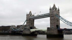 De brug van de toren in Londen stock footage