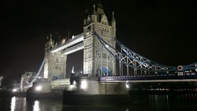De brug van de toren in Londen stock video