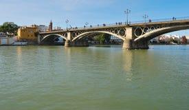 De brug van Triana Stock Foto's