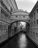 De brug van Venetië van sighs stock foto's