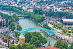 De Brug van Vrede over de Kura-Rivier in Tbilisi Stock Foto's