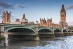 De brug van Westminster, Big Ben in de ochtend stock foto