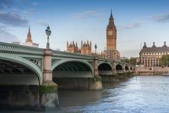 De brug van Westminster, Big Ben in de ochtend royalty-vrije stock foto