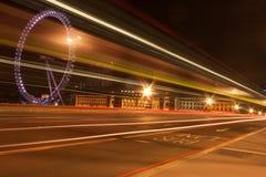 De Brug van Westminster bij nacht Stock Afbeelding